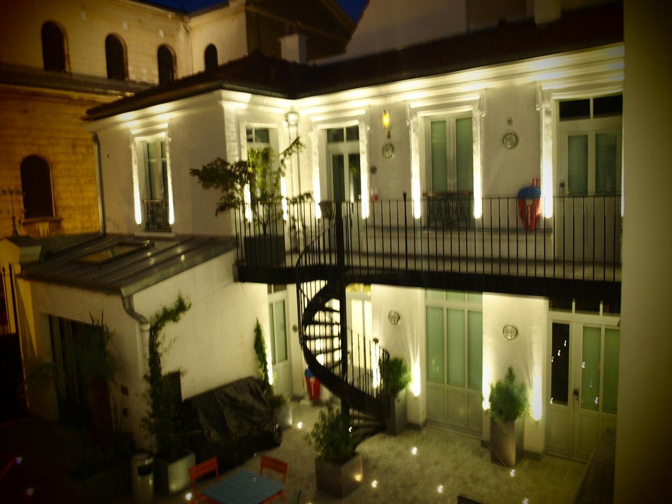 3 Ducks Hostel Paris France Reviews Hostelz Com