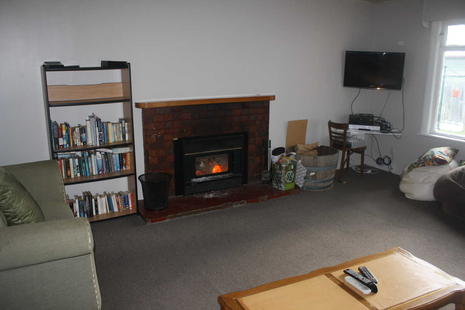 Lounge with our DVD collection, Sky TV, Fire and book swaping!