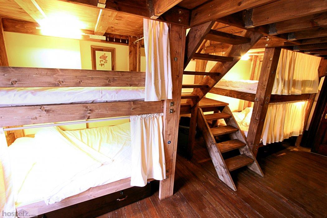 Palmers Lodge Swiss Cottage - London, England Reviews ...
