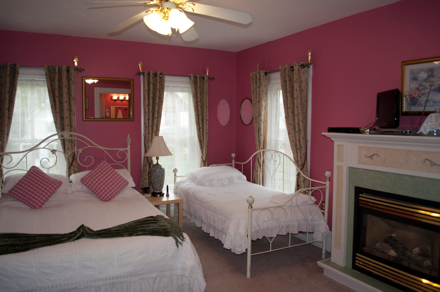 Lillianna Room