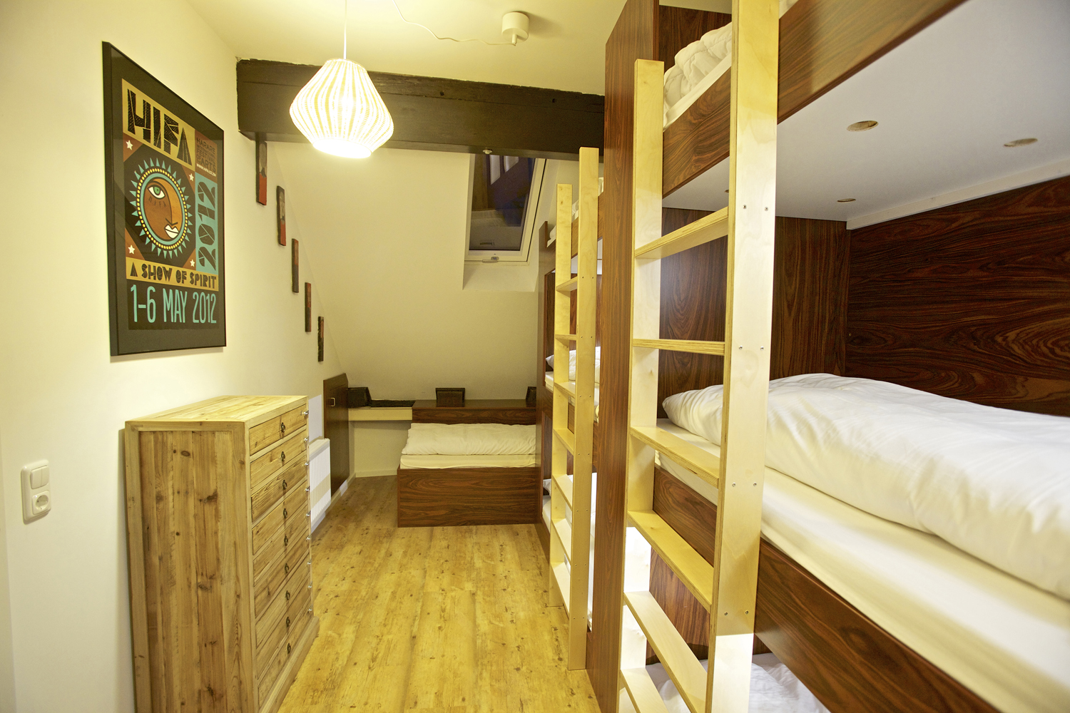 King of Africa 8-Bed Dorm