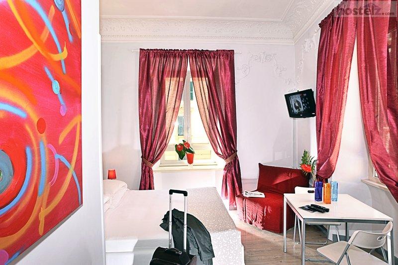 Colors Hotel Amp Hostel Rome Italy Reviews Hostelz Com