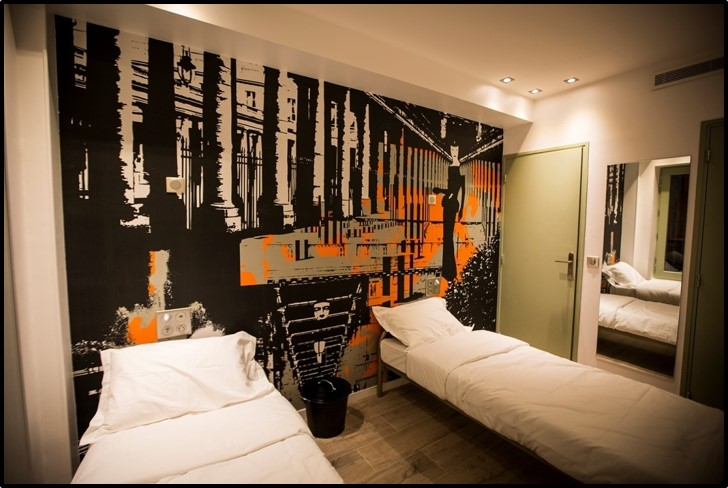 3 Ducks Hostel Paris France Reviews Hostelz Com