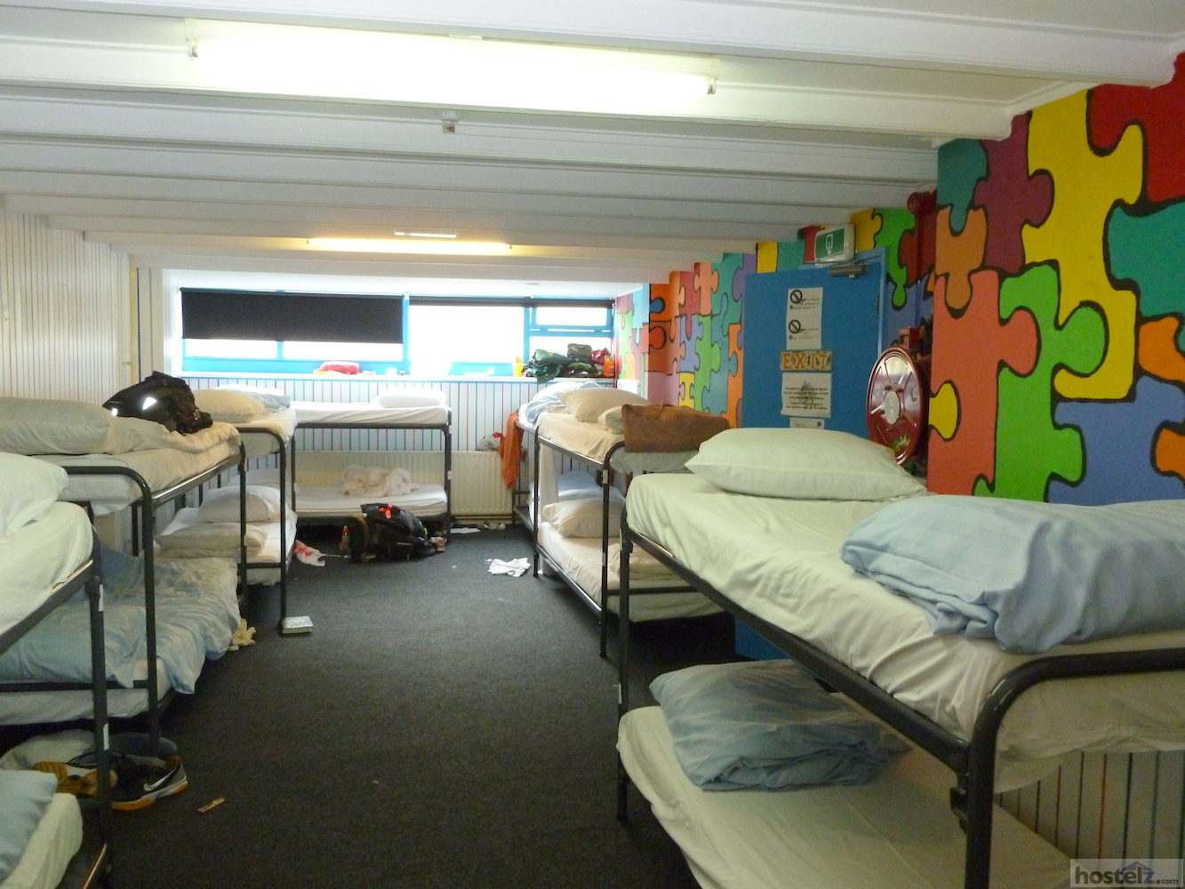 Overview of the 22 bed dorm