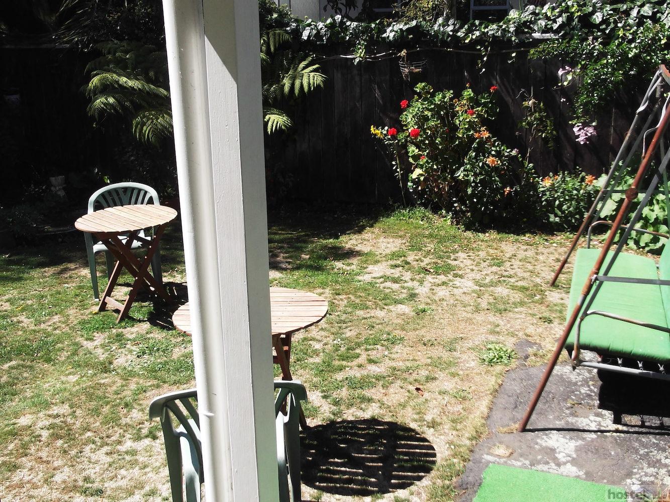 Honey Suckle House Nelson New Zealand Reviews Hostelz Com