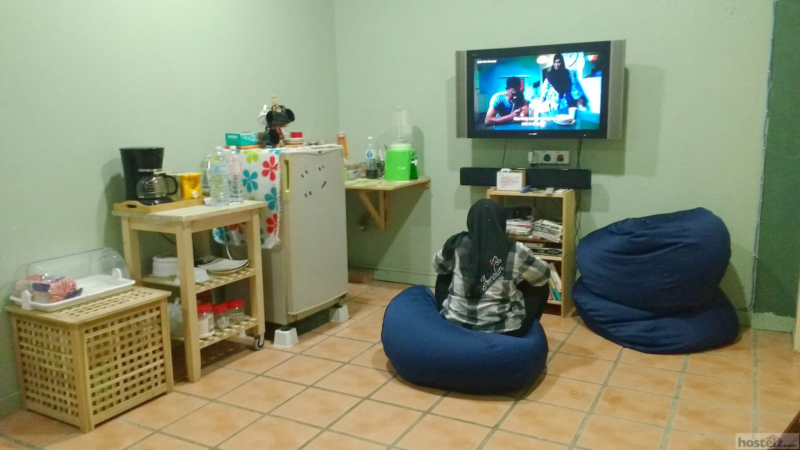 the TV and breakfast area