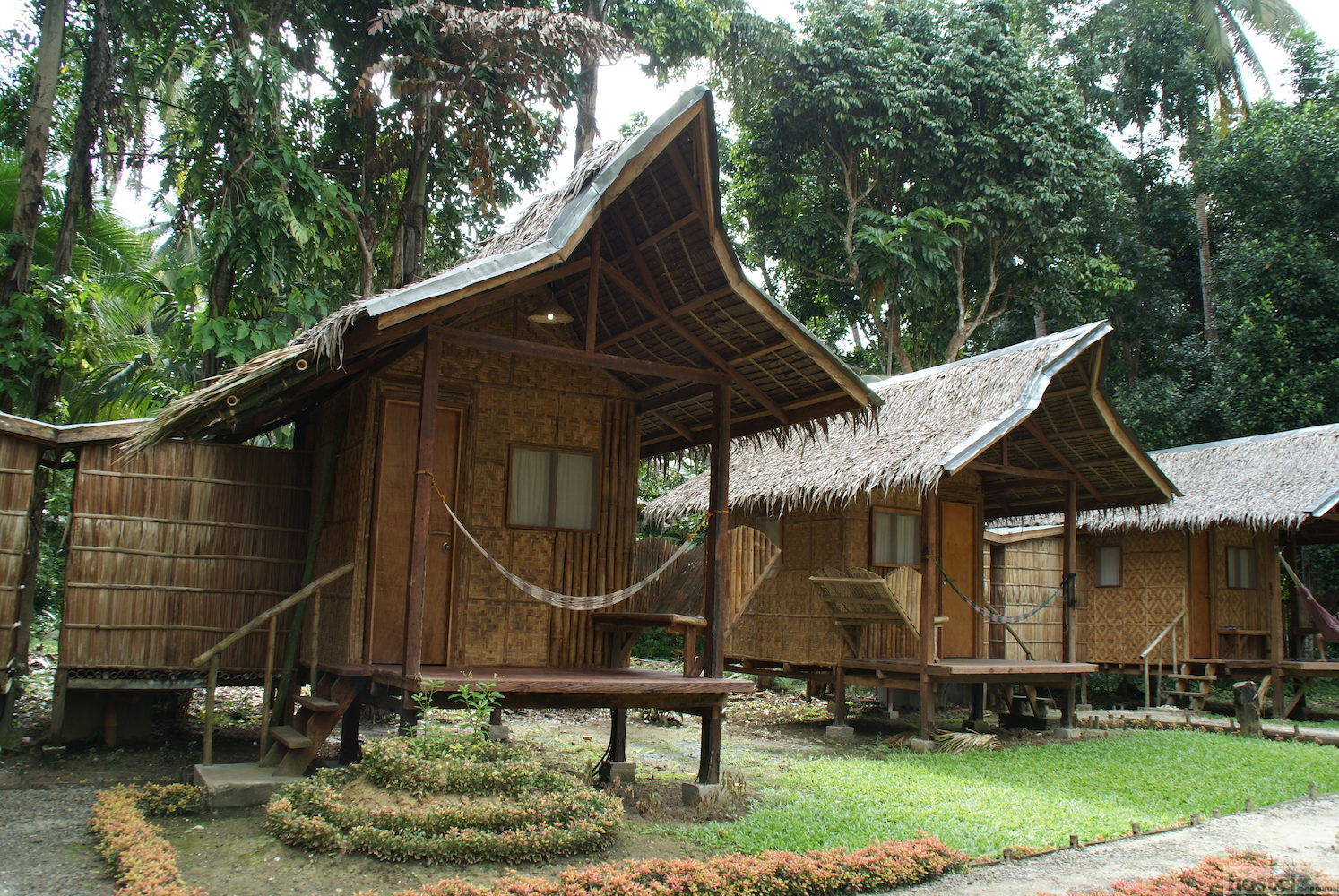 Nipa hut village bohol philippines reviews for Nipa hut interior designs